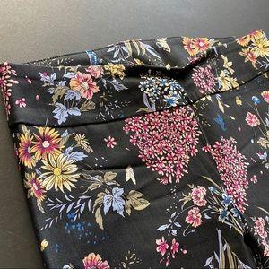 Jules & Leopold Pants - Jules & Leopold black floral leggings.